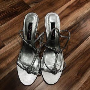 Nina dressy heels. Silver. Sz 6.5